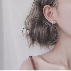100% 925 Silver Heart Shaped Stud Earrings